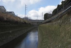 田口発電所放水路等壁面点検除草工事